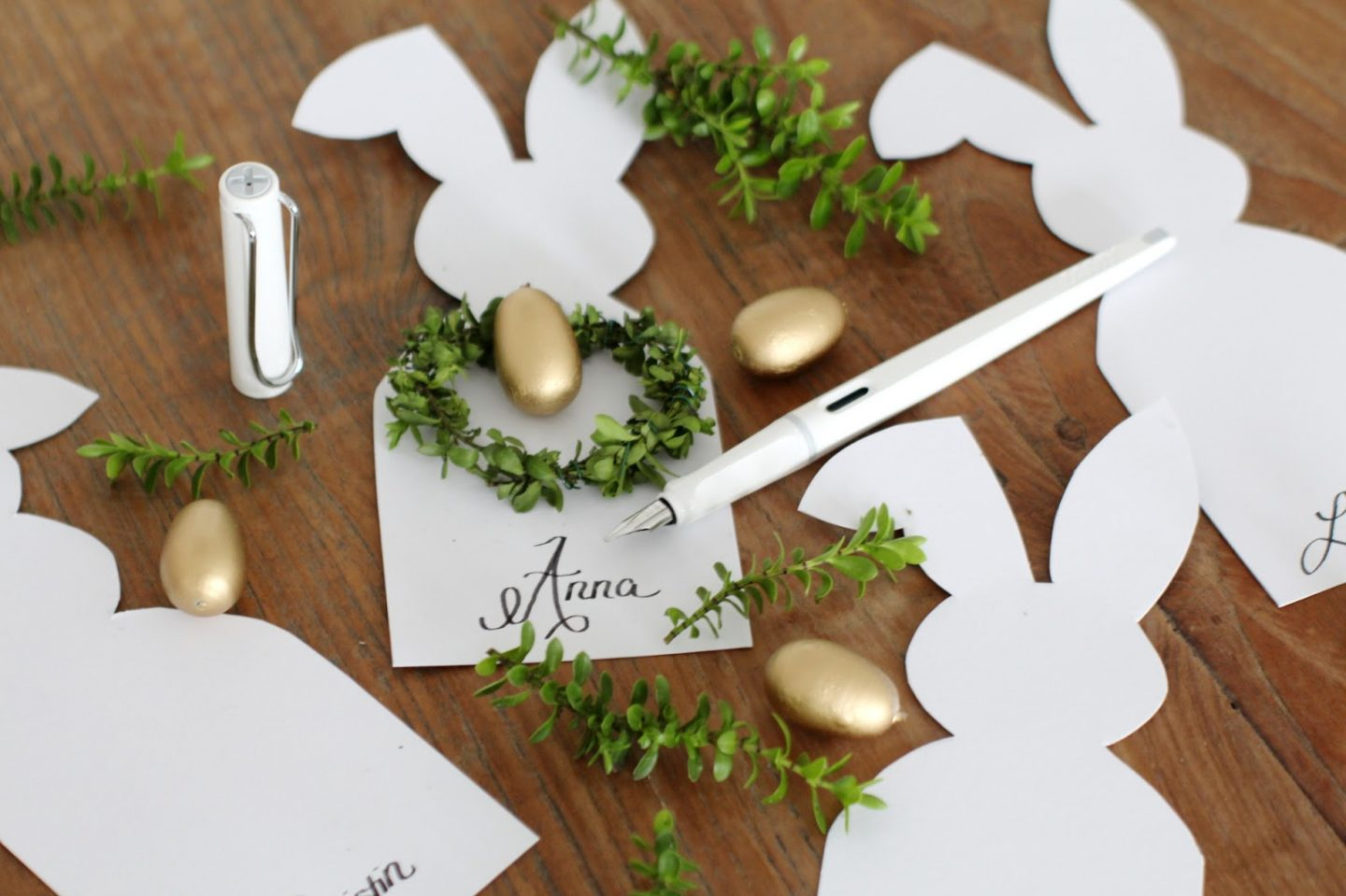 DIY: Easter Placecards (WIN!)