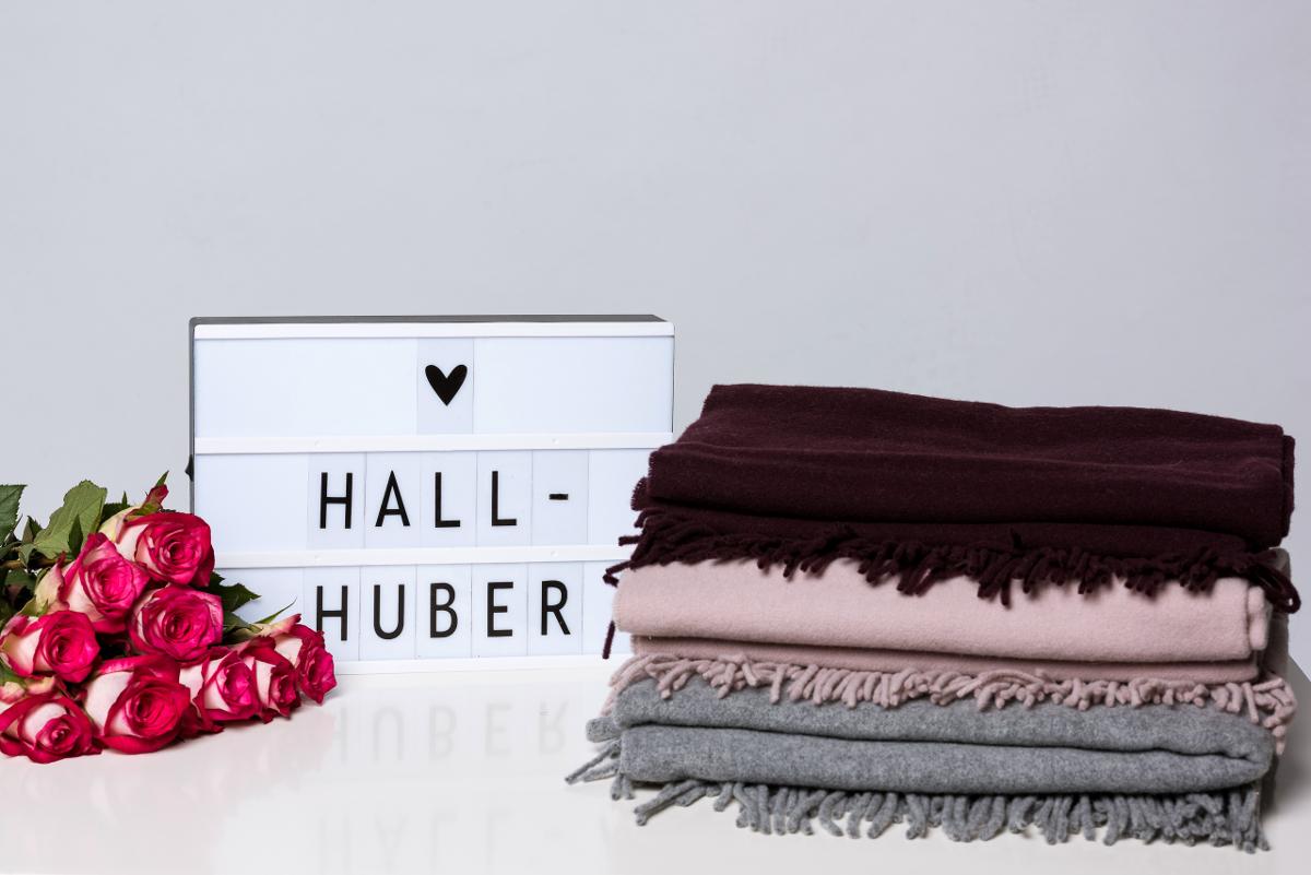 ADVENTSKALENDER #9: Schals von Hallhuber