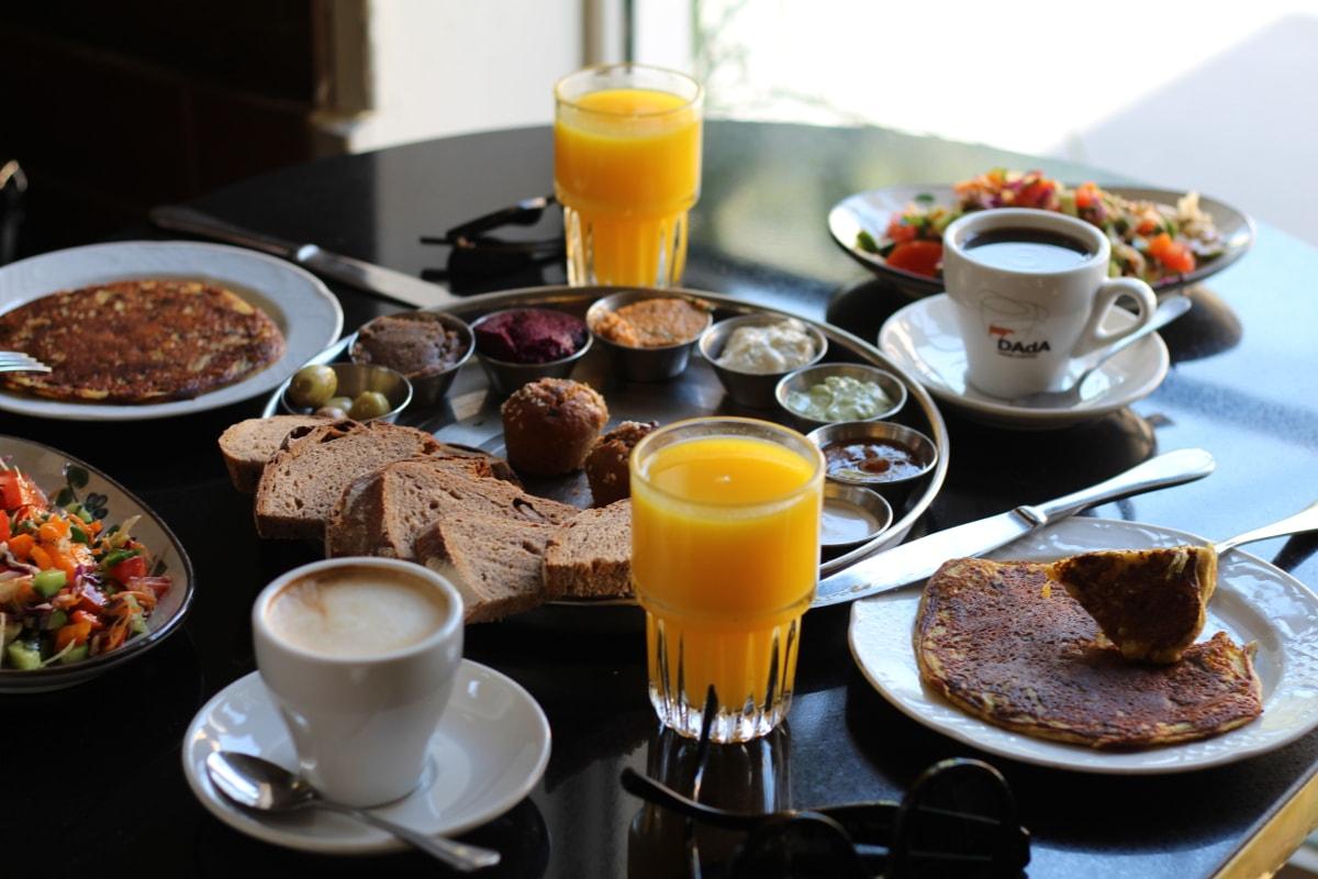 Israeli Frühstück in Neve Tzedek