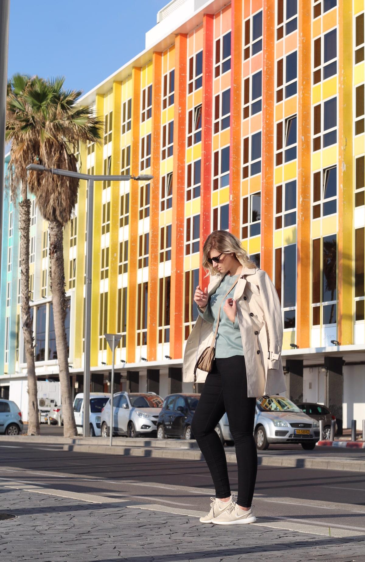 Tel Aviv Buntes Hotel Farbverlauf
