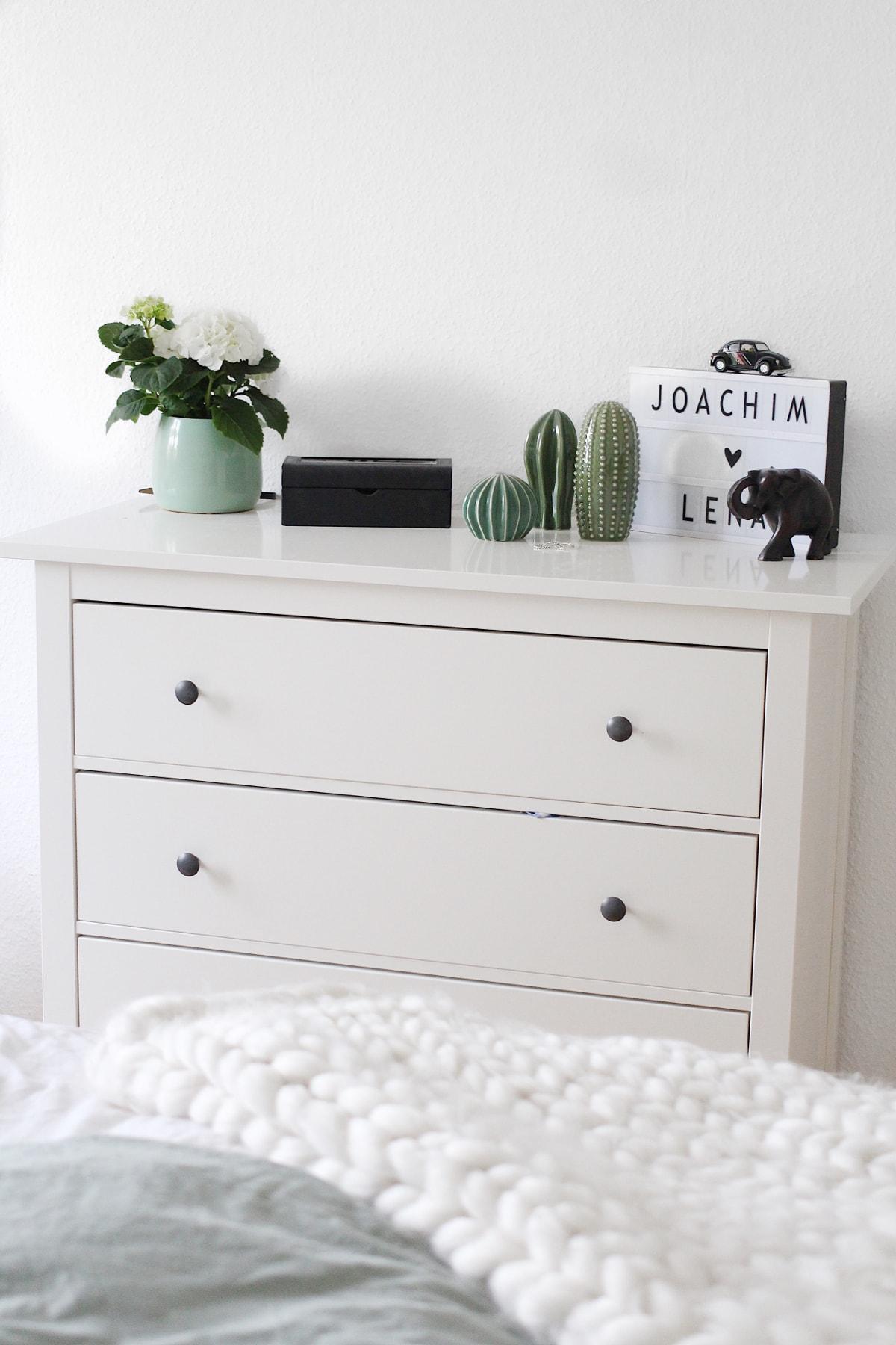 IKEA Hemnes Kommode mit Dekoration